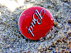 Ok Bud (mktedman) Tags: red sea macro art sand drink bud budweiser facebook tedman flickriver mktedman marktedman