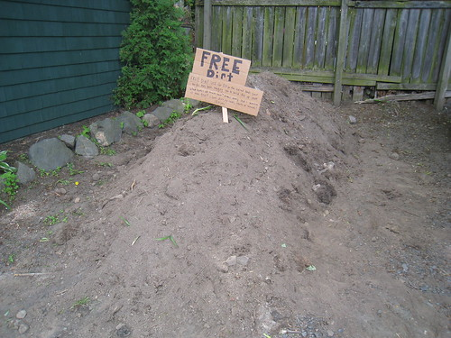 Pile of Dirt w/ Free Dirt Sign