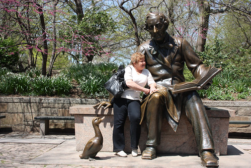 Robert Louis Stevensen reads to Auntie Sue