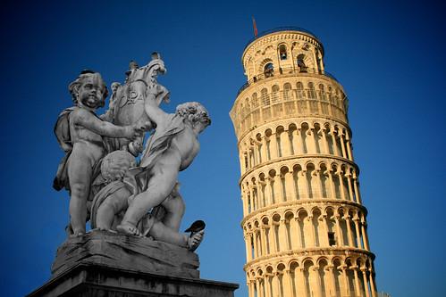 フリー画像| 人工風景| 建造物/建築物| 塔/タワー| ピサの斜塔| 世界遺産/ユネスコ| 彫刻/彫像| イタリア風景|    フリー素材|