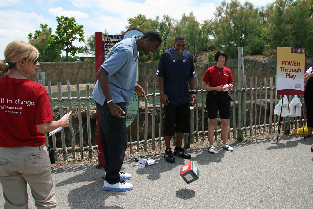 Pacers visit the Zoo