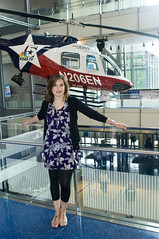 Famous Faces at the Newseum (Newseum) Tags: bellhelicopter mariskahargitay newseum famousfaces
