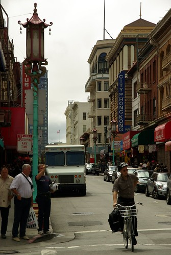 San Francisco Chinatown - lamppost
