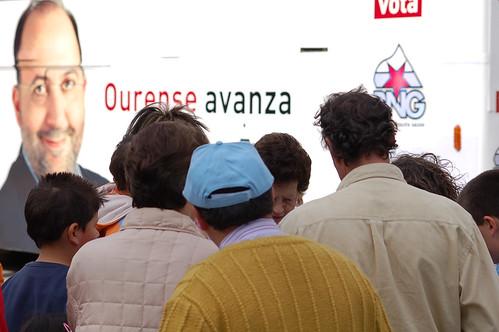 Ourense avanza? (Provinciais 2007) by Carlos Regalado
