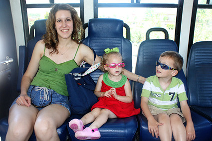 Me-and-kids-shuttle-bus