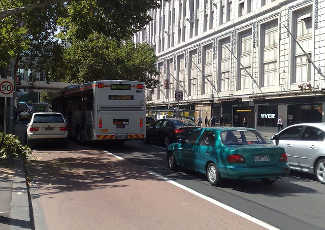 POTD: No fulltime bus lanes on Lonsdale Street