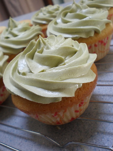 Green Tea Buttercream Frosting on Vanilla Bean Cupcakes
