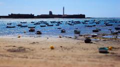 Mini-Barquitas caleteras. (KaY-MaN) Tags: sea beach boats mar shift playa cadiz tilt barcas miniatura efecto caleta 6retos6