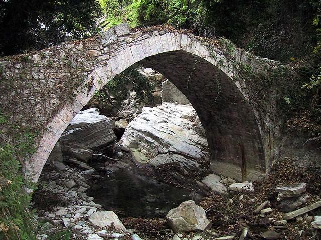 Στερεά Ελλάδα - Εύβοια - Δήμος Κύμης Παλιό γεφύρι