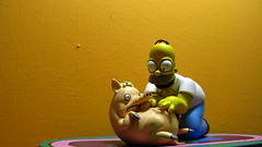 Spiderpig y Homero 0651 (MOiSTER) Tags: wallpaper closeup widescreen homer thesimpsons fondodeescritorio spiderpig puercoaraa