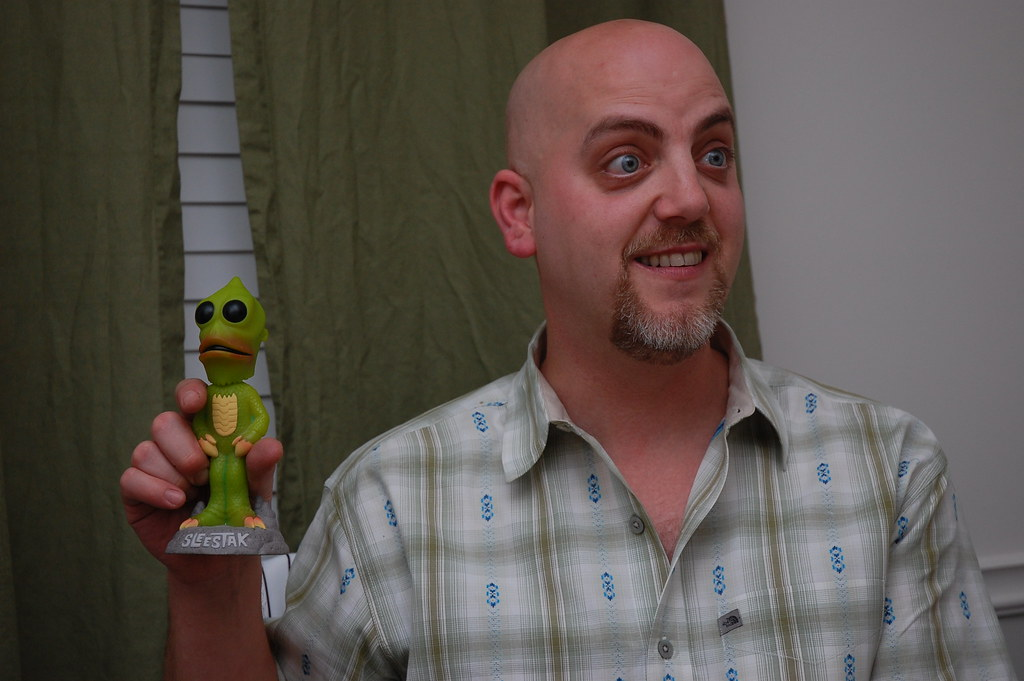 Elrod and a Sleestak