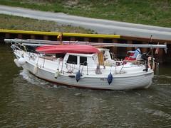 427 (klee_26) Tags: mittellandkanal segelboot binnenschiff