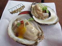 5 seasons brewing company - oysters