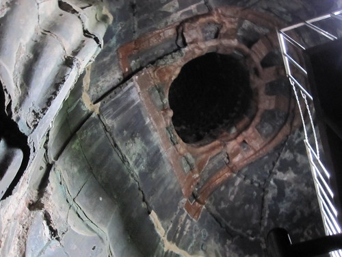 Inside the daibutsu