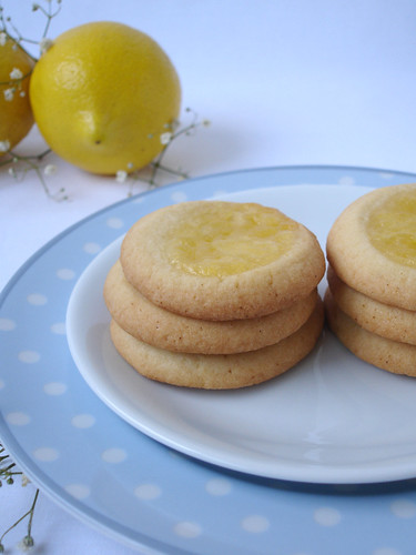 Spoon-dent cookies with lemon curd / Cookies recheados com curd de limão siciliano