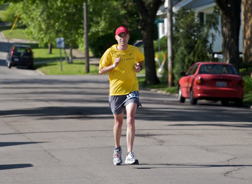 Rob at mile 14 of Rockford Marathon
