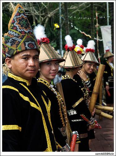 Kaamatan Festival Open House - Rumah Terbuka Kaamatan 2009 Padang Merdeka 1Malaysia Bamboo Music group