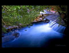 Silky Nature (Kuzeytac) Tags: longexposure blue white color colour tree green nature water night turkey river evening photo waterfall leaf amazing factory view trkiye turkiye group scene explore chapeau mineral su frontpage beyaz mavi leyla manzara yeil lsi balikesir aa dere gure fabrika renk akam yaprak doa elale renkler sigma1020 canoneos400d canoneosdigitalrebelxti gre mineralwaterfactory vosplusbellesphotos minerallisodafabrikas aqualityonlyclub