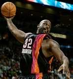 Shaq dunking