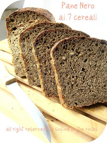 Pane nero ai 7 cereali