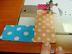 049 (super_ziper) Tags: flowers flores diy quilt sewing flor steps craft sew super bolinhas fabric patch dots patchwork tutorial pap maquina tecido ziper costura iniciantes passoapasso façavocêmesmo superziper divania