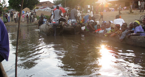 pulling out of the port in Kindu, March 27