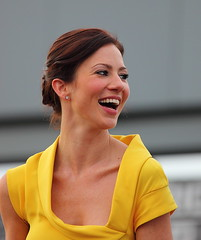 "Lynn Collins laughing ""Kayla Silverfox"" X-Men Origins: Wolverine (gbrummett) Tags: world yellow century canon gavin dress action mark az lynn fantasy ii xmen fox scifi hood 5d marketplace premiere brunette director kayla collins wolverine tempe harkins origins thriller silverfox twentieth lynncollins canoneos5dmarkiicamera canonef100400mmf4556lisusmzoomlens"
