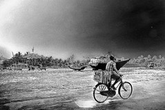 An Ice Cream Vendor on a Hot Winter's Day at Utorda Beach in Goa ...  BNW (Anoop Negi) Tags: world travel portrait food sun india white color colour ice beach water photography for golden photo sand essay media place wine image photos delhi indian south bangalore goa creative cream picture culture images best exotic photograph journey po tradition mumbai amitabh journalism bachchan bigb goan photosof brittos ezee123 utorda uttorda bestphotographer imagesof anoopnegi zeebop jjournalism