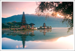 Ulun Danu in reflection (Rido Zaen) Tags: bali lake reflection indonesia balinese beratan bedugul ulundanu tabanan