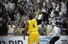 Derrick Sharp bring the 48th Champion for Maccabi Tel-Aviv (Yaniv Ben Simon) Tags: basketball israel shot great champion  maccabitelaviv   derricksharp   yanivbensimon 3pointshot wwwybscoil