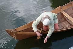 Reinhard Erichsen macht Nökkvi für die Taufe fertig Haithabu - Museumsfreifläche Wikinger Museum Haithabu WHH 27-05-2009