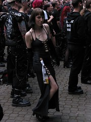 Wave-Gotik-Treffen @ Leipzig 31.05.09 (Cascotie) Tags: girls black sexy girl leather sex wave leipzig latex gotisch ragazze gotica wavegotiktreffen gotiche 310509