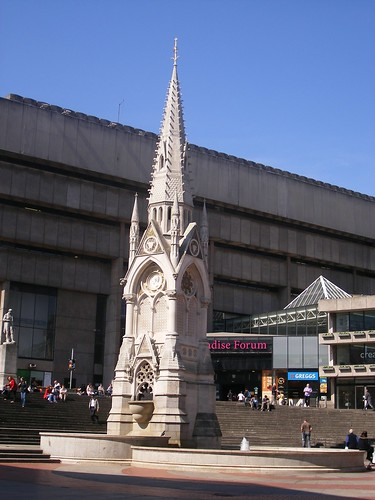 Chamberlain Memorial - in front of Paradise Forum / Birmingham Birmingham Central Library