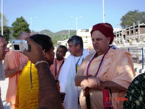 H H Jayapataka Swami in Tirupati 2006 - 0006 por ISKCON desire  tree.