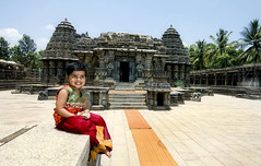Parinita. (Prabhu B Doss) Tags: india kids temple nikon ruins karnataka mysore somnathpur parinita hoysala mandya d80 somnathpura prabhub prabhubdoss zerommphotography 0mmphotography