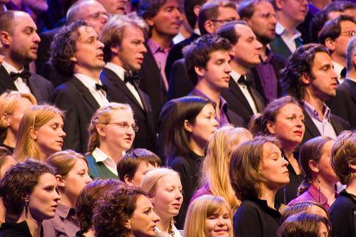 Coro cantando el Himno a la alegría