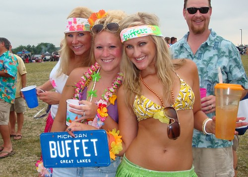 nude chicks tailgate party