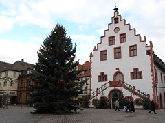 KARLSTADT: Rathaus / City Hall (Andra MB) Tags: christmas germany bayern deutschland bavaria cityhall franconia alemania franken rathaus 2008 allemagne primarie germania craciun karlstadt