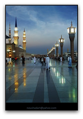 Prophet's Mosque in Madinah: Just after Sunset.. (ArabianLens.com) Tags: life sunset men water beautiful forest sunrise river photography evening boat drops fisherman artist photos drawing muslim islam kerala mosque line madina saudi arabia medina piazza ramadan  minarets iftar skech prophets    madinah  nilambur  malappuram  noushad  akambadam musjidnabawi