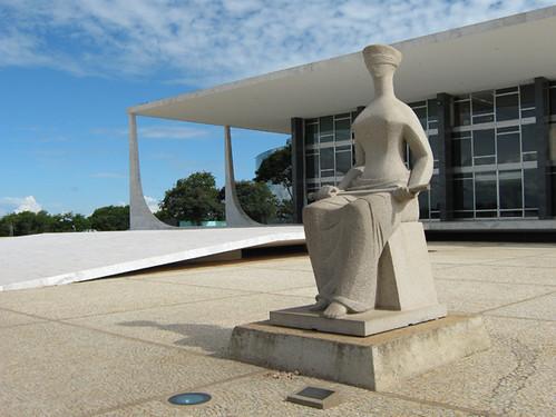 Estátua da Justiça em frente ao Supremo Tribunal Federal