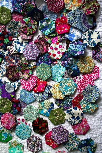 hexagon paper piecing