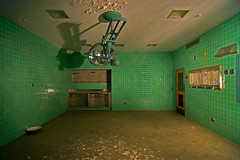 O. R. (Noel Kerns) Tags: abandoned beach night hospital army texas fort room wells mineral operating wolters
