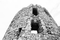 Rocca San Felice - Avellino (babarlo) Tags: blackandwhite bw film analog italia campania 400tx bn biancoenero nikonn75 pellicola avellino kodaktrix400 analogico 123bw roccasanfelice