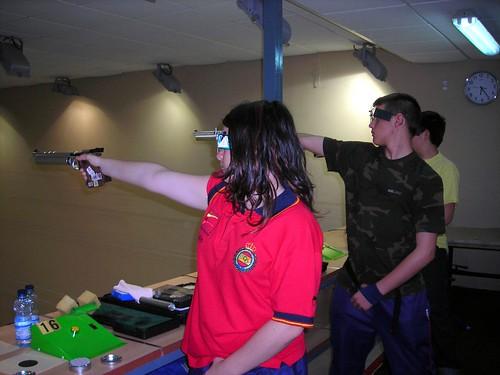pistolas entrenando