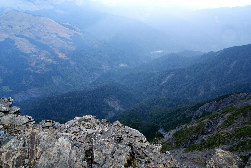奇萊Day3-27 懸崖溪谷