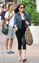 usa sunglasses kim miami jeans polkadots heels fl kourtney footballplayer khloe reggiebush kardashian benjamineyewear leeleelunettes 051809