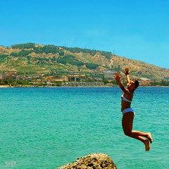 Joy of Dive, Dive of Joy (Osvaldo_Zoom) Tags: sea summer beach girl bravo daughter dive calabria delfina messinastrait gallico 150primavere