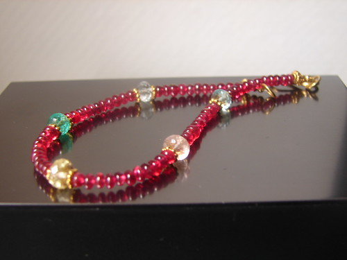 créaJR 695 Cherry red spinel bead bracelet with multicolor beryls