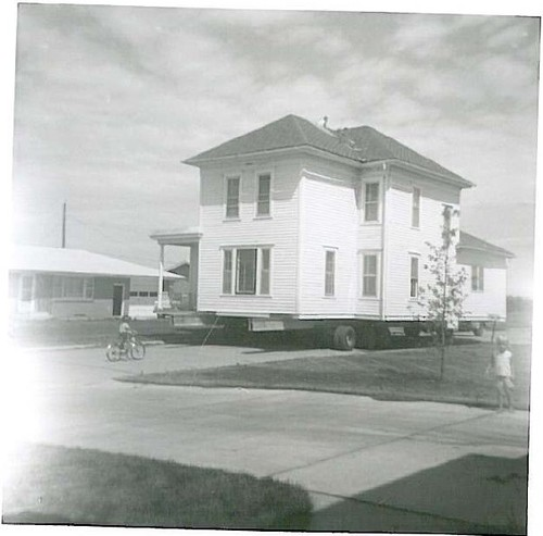 House Being Moved from Faculty Lane in Seward, Nebraska (2)