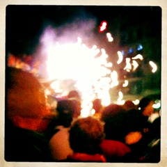 (sweet ^_^ snowhite) Tags: barcelona party football fiesta bcn victoria futbol festa sang bara fcbarcelona rambles calcio barna celebracin plaacatalunya blaugrana celebrazione lliga canaletes futbolclubbarcelona fontdecanaletes cul blauigrana festeig festegiare